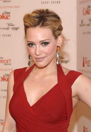 Hilary Duff w soczystej czerwieni