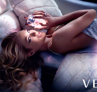 Candice Swanepoel dla Versace