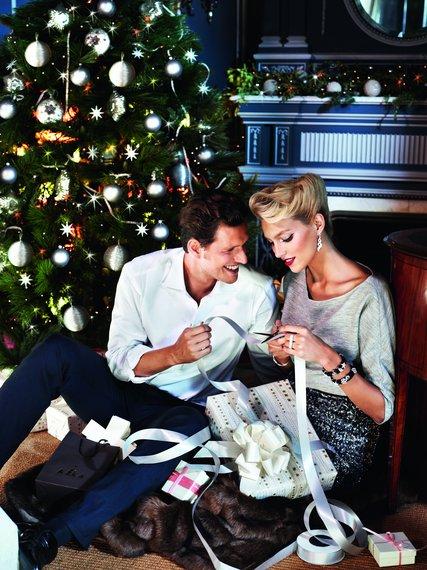 Anja Rubik w świątecznej kampanii marki Apart na rok 2012