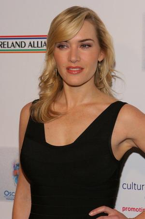 """Kate Winslet znowu w """"bandażowej"""" sukience"""