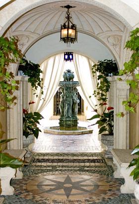 Spędzić noc w willi Gianniego Versace
