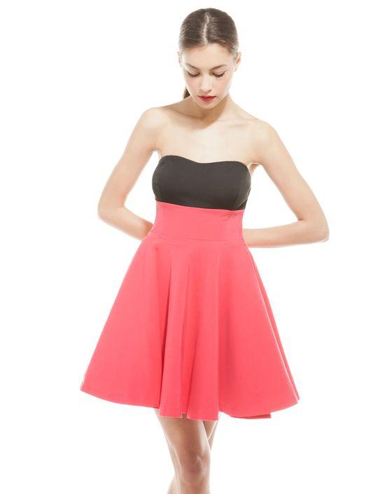 Krótkie sukienki na lato - Bershka