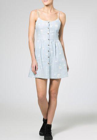 Sukienki idealne na wiosnę!