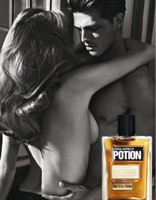 Małgosia Bela w kampanii perfum DSquared2