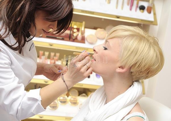 Jak pielęgnować usta