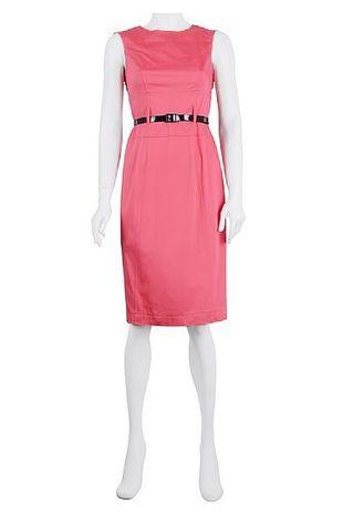 Z czym to nosić: różowa sukienka