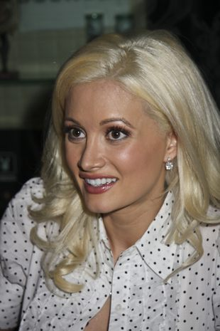 Holly Madison z torebką Louis Vuitton