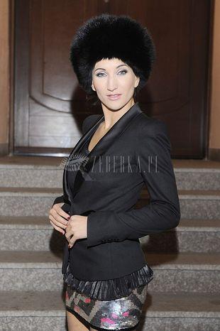 Futrzana czapka Steczkowskiej