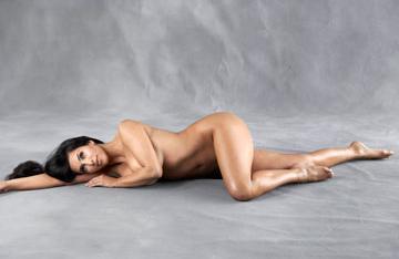 Kim Kardashian zupełnie nago dla Harper's Bazaar