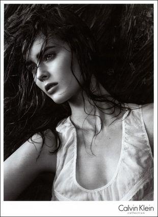 Starsze modelki u Calvina Kleina