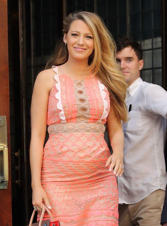Blake Lively – jak gwiazda ubierała się w drugiej ciąży?