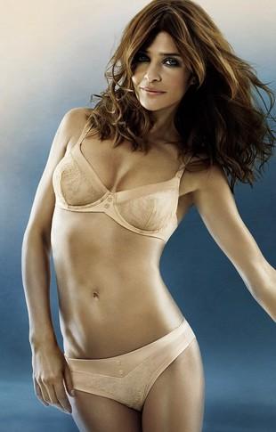 Helena Christensen reklamuje bieliznę (FOTO)