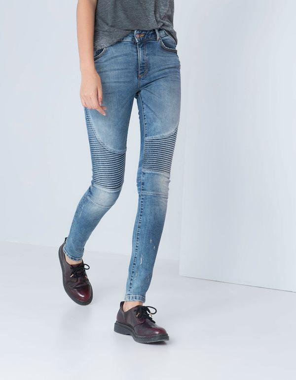 Gorączka wyprzedaży - przegląd jeansów z Bershki (FOTO)