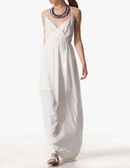 Biało na wiosnę - przegląd białych lekkich sukienek