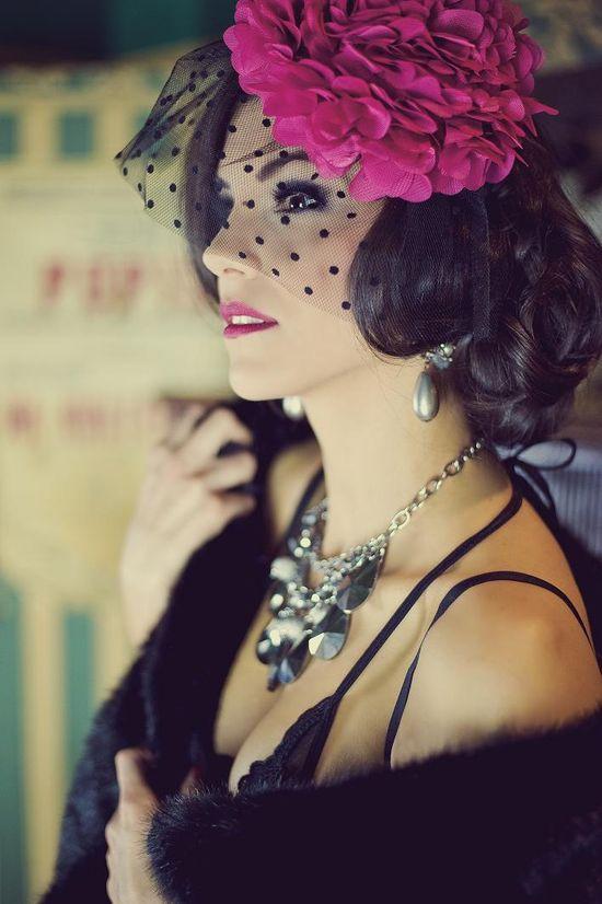 Bielizna w stylu eleganckich lat 20-tych (FOTO)