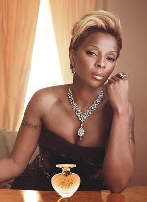 Mary J. Blige reklamuje swoje perfumy