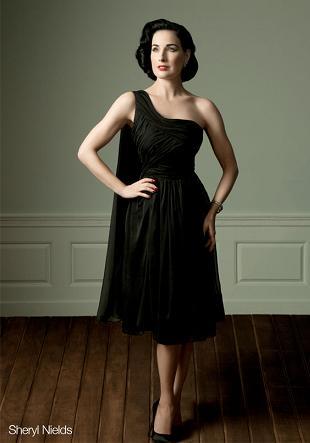 Dita von Teese wypuszcza linię sukienek