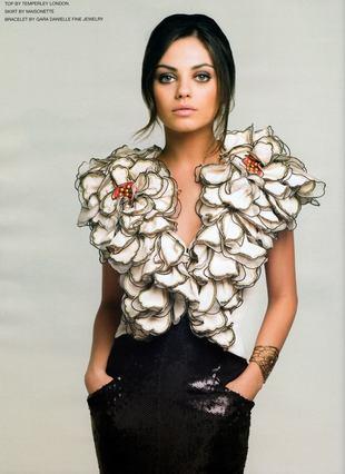 Mila Kunis w topie od Temperley London
