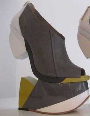 Geometryczne buty Finsk