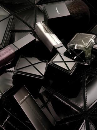 Gareth Pugh dla MAC Cosmetics