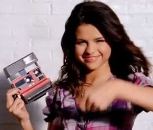 Selena Gomez promuje swoją kolekcję (VIDEO)