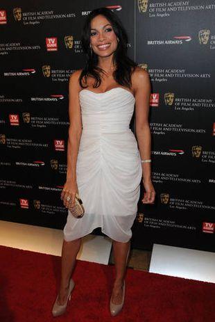 Rosario Dawson w bieli (FOTO)