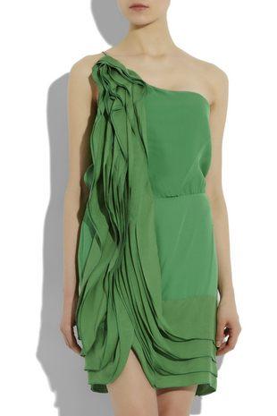 Sukienka w wiosennym klimacie