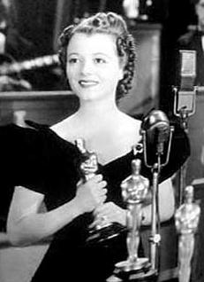Eleganckie i ponadczasowe. 26 kultowych fryzur w historii Oscarów