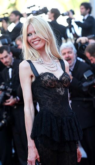 Claudia Schiffer w koronkowej sukni Dolce&Gabbana (FOTO)