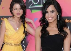 Selena Gomez czy Demi Lovato?