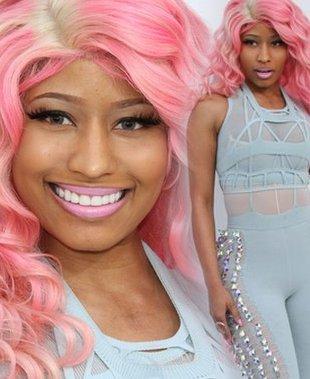 Nicki Minaj w błękitnym kombinezonie (FOTO)