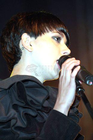 Monika Brodka - smutny Arlekin
