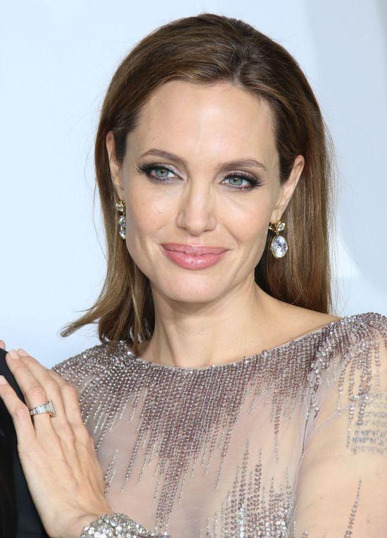 Makijaże,fryzury i biżuteria gwiazd - Oskary 2014