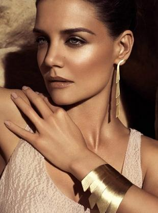 Katie Holmes reklamuje biżuterię H. Stern