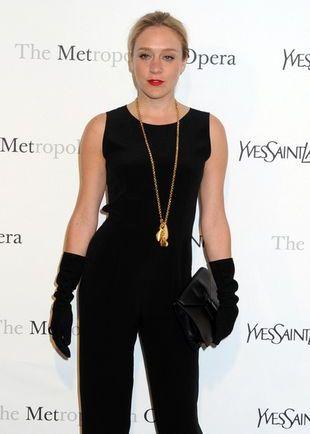 Chloë Sevigny w kostiumie Yves Saint Laurent