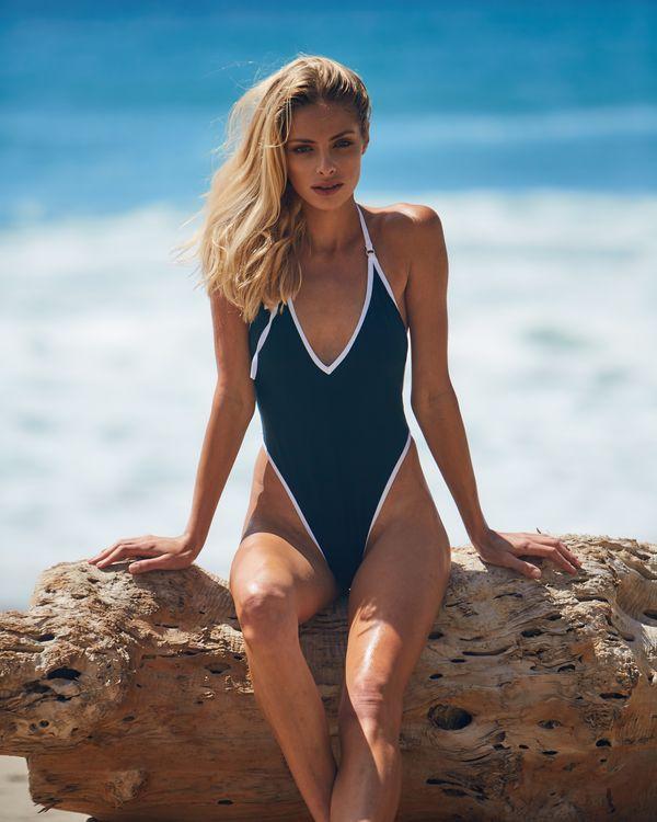 Caprice - kostiumy kąpielowe na lato 2017