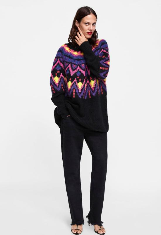 Powraca trend na... babcine swetry! Influencerki je pokochały i chętnie je noszą