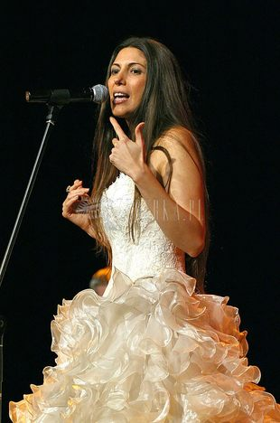 Sceniczna suknia (ślubna?) Ive Mendes