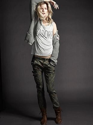 Kasia Struss w kampanii marki SET