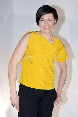 Czarno-żółta Beata Sadowska