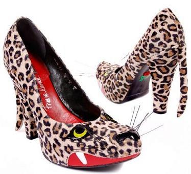 Buty z dzikim kotem