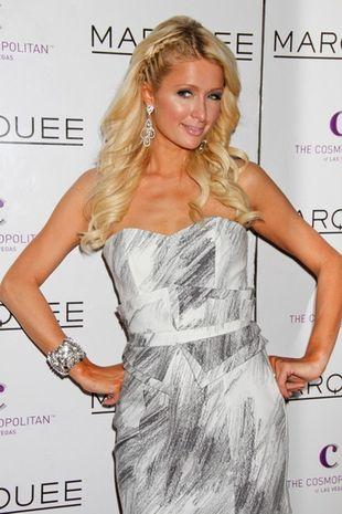 Paris Hilton w sukience Sass & Bide (FOTO)