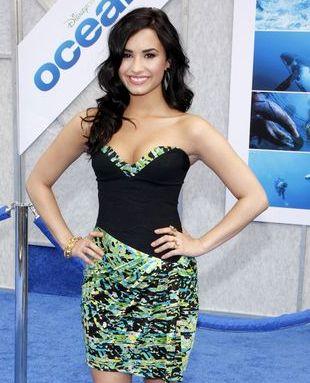 Demi Lovato w morskich kolorach