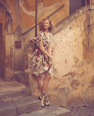 Frida Gustavsson w katalogu Neiman Marcus