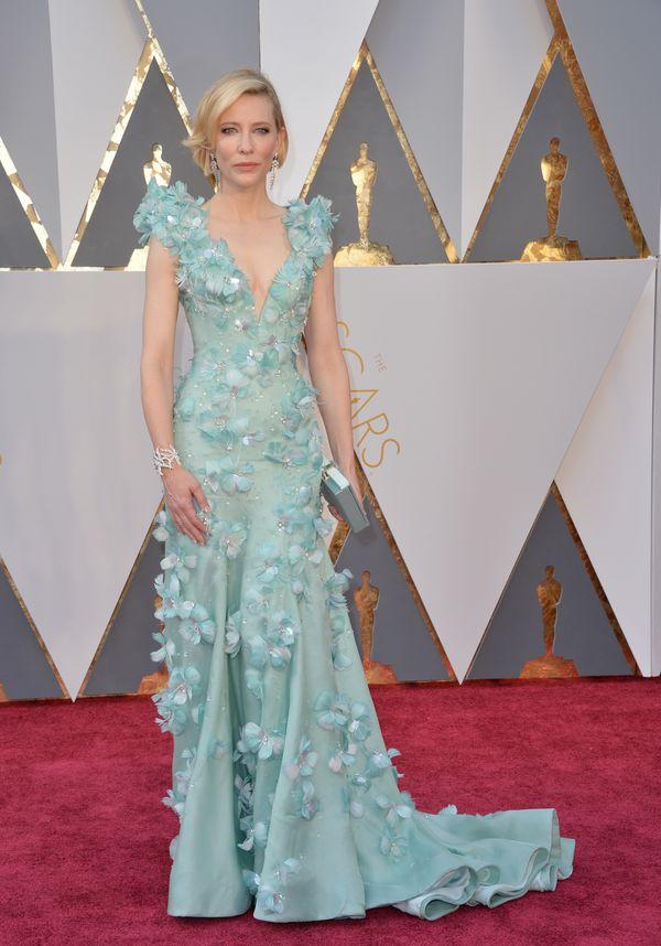 6fc6166347 Oscary 2016 - najlepsze kreacje wg Vogue Kto  Cate Blanchett W czym   Jasnoniebieska sukienka