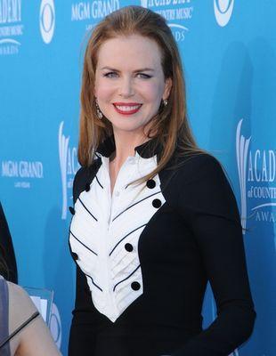 Nicole Kidman w mundurku L'Wren Scott