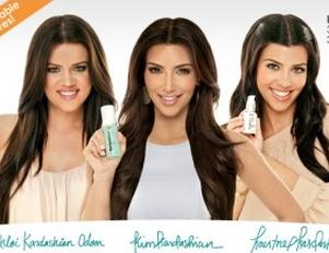 Siostry Kardashian promują kosmetyki PerfectSkin