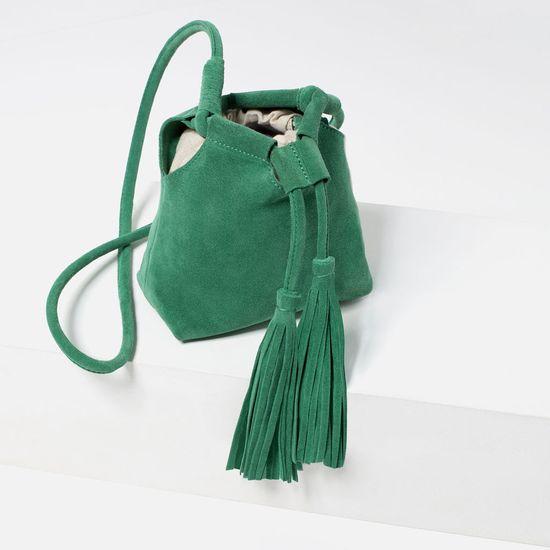 81a2cf18442ac Wyprzedaż w Zarze - 10 modnych torebek z zimowej kolekcji - Zeberka.pl