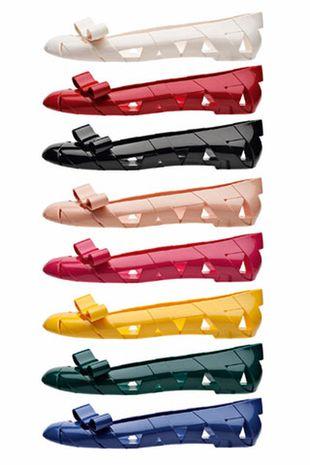 Plastikowe baleriny od Moschino
