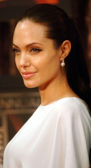 Angelina Jolie w bieli